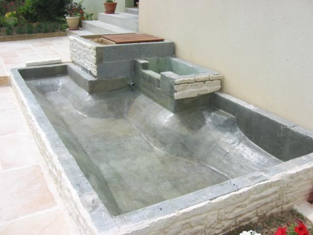bassin stratifi sur place service bassin aquatique en polyester pour jardin. Black Bedroom Furniture Sets. Home Design Ideas