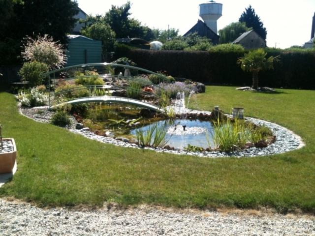 am nagement aquatique service bassin aquatique en polyester pour jardin. Black Bedroom Furniture Sets. Home Design Ideas