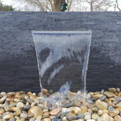 Mur d'eau en situation schiste gris